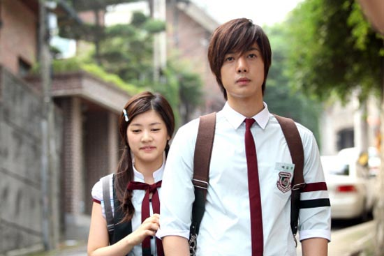 playful_kiss_1.jpg